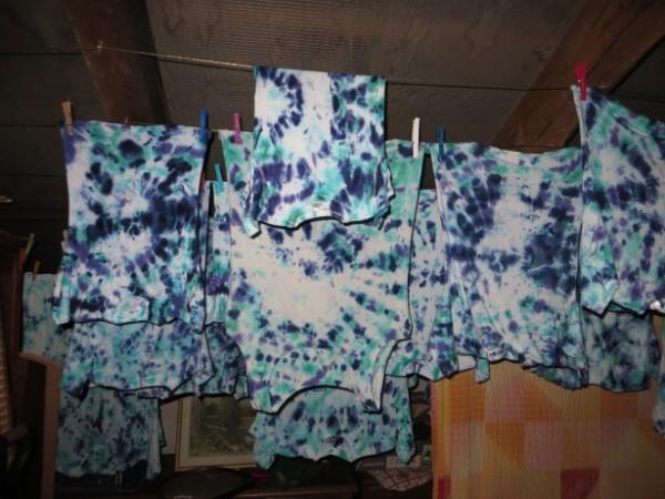 13.08.2021 T-Shirts färben mit Batikfarbe